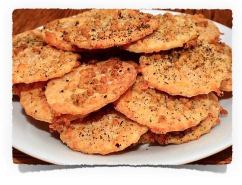 Low Carb Snack Rezept: Käse Cracker | www.kohlenhydrate-tabellen.com