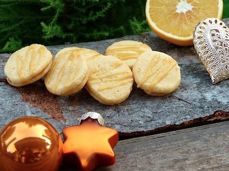Low Carb Rezept Weihnachten: Mohnplätzchen mit Lemon Curd