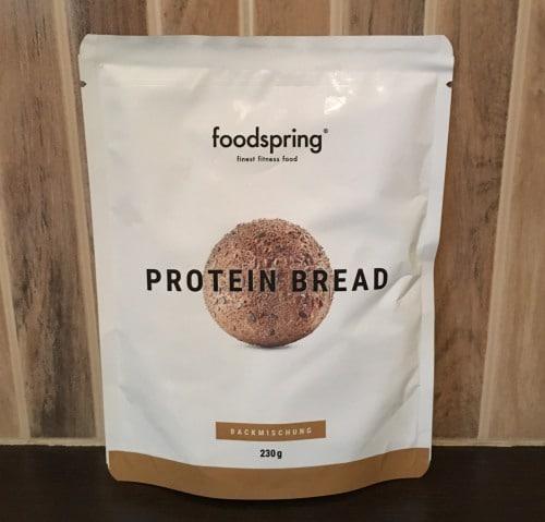 Foodspring Proteinbrot Backmischung: Packung Vorderseite (Test)